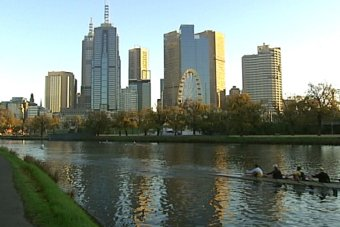 A report has revealed pollution, including sewage run-off, is still flowing into the Yarra River despite decades of clean-up efforts. (ABC TV)